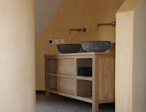 Ronde badkamer met badkamermeubel